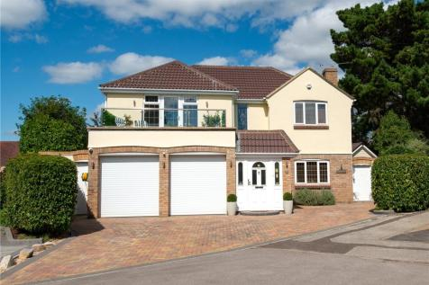 Freshwater Road, Christchurch, Dorset, BH23. 4 bedroom detached house