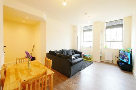 South Street, Romford, Essex, RM1. 1 bedroom apartment