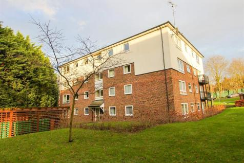 Tedder Close, Uxbridge. 2 bedroom flat