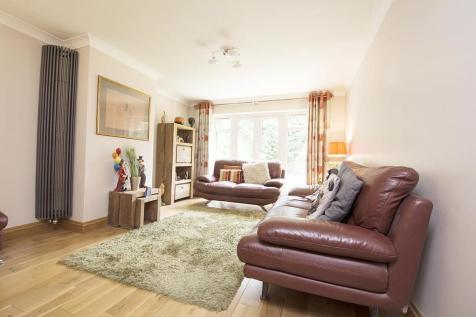 Brickwall Lane, Ruislip. 4 bedroom detached house
