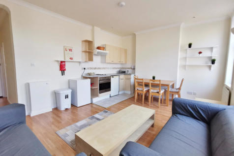 North End Road, Golders Green NW11. 1 bedroom flat