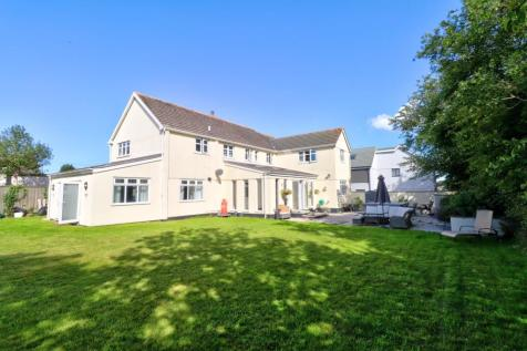 Coltness Road, Plymouth. 6 bedroom detached house