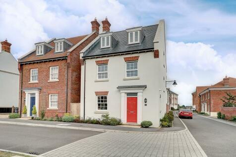 Shortlands Drive, Yeovil. 4 bedroom detached house