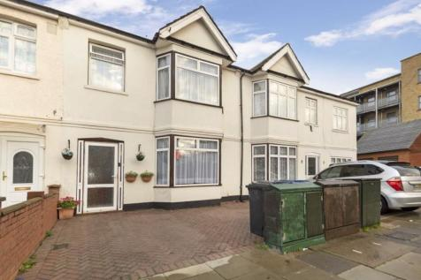 Dane Road, Southall. 4 bedroom house for sale