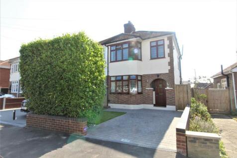Dorian Road, Hornchurch. 3 bedroom semi-detached house