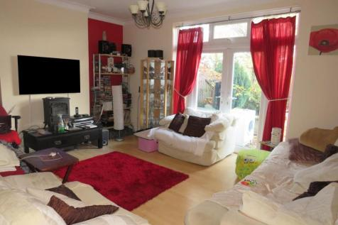Crawford Avenue, Wembley, Middlesex HA0. 5 bedroom semi-detached house