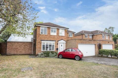Radnor Close Chislehurst BR7. 4 bedroom house