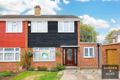 10 Wannock Gardens, Essex, IG6. 3 bedroom semi-detached house