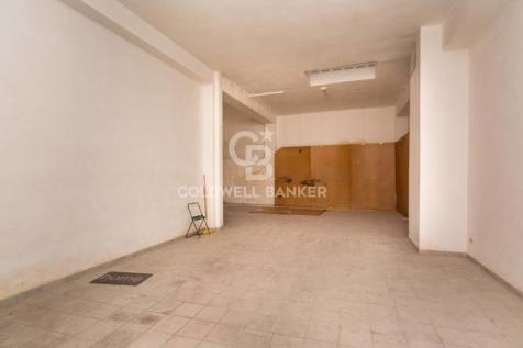 Apulia, Brindisi, Brindisi. Warehouse for sale
