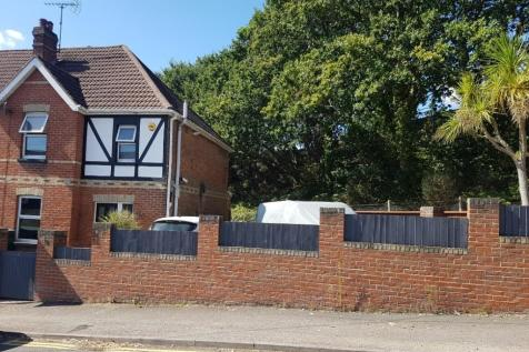 Salterns Road, Poole. 3 bedroom semi-detached house