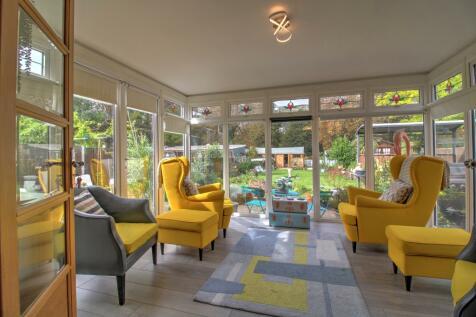 Shenley Road, Dartford. 4 bedroom detached bungalow