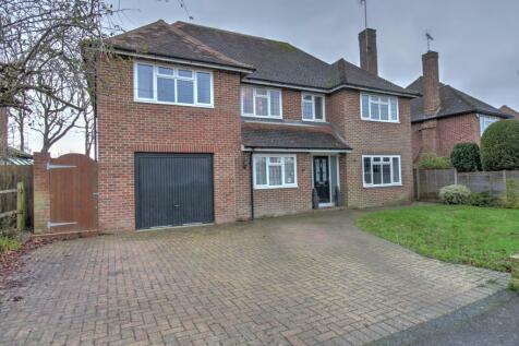 Pollards Drive, Horsham. 5 bedroom detached house for sale