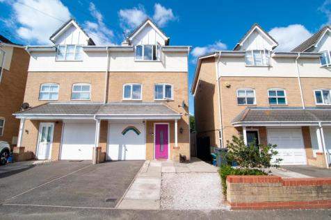 Priory Avenue, Southend-on-sea. 3 bedroom semi-detached house