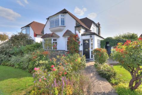 Deveron Way, Romford. 4 bedroom detached house for sale