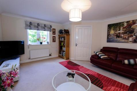Frome Valley Way. 3 bedroom terraced house