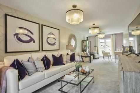 Harvey Road,  Redhill, Surrey, RH1 4EA. 4 bedroom detached house
