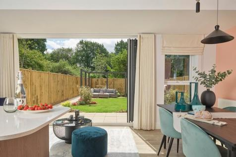Harvey Road,  Redhill, Surrey, RH1 4EA. 4 bedroom detached house for sale