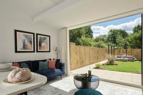 Harvey Road,  Redhill, Surrey, RH1 4EA. 5 bedroom detached house for sale