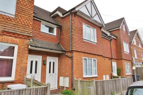 Cantelupe Road, East Grinstead, West Sussex, RH19. 1 bedroom maisonette