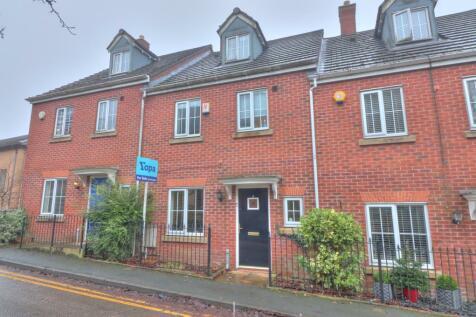 Glebe Lane, Oldham. 4 bedroom town house for sale