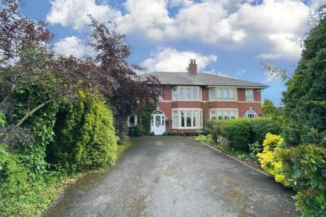 Ribchester Road, Clayton Le Dale, Blackburn. 5 bedroom semi-detached house