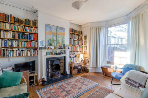 Trinder Road, London. 3 bedroom terraced house for sale