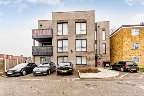 Lovell Road, Southall. 2 bedroom flat for sale