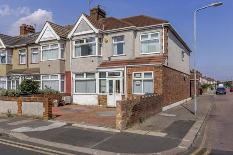 Gordon Road, Ilford. 5 bedroom end of terrace house