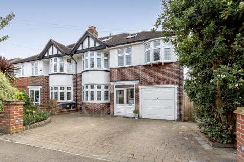 Chiltern Drive, Surbiton. 5 bedroom property