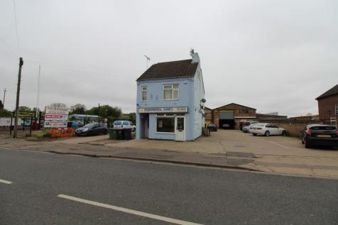 Fengate, Peterborough, PE1 (COMMERCIAL UNIT WITH TWO X 1 BEDROOM FLATS). Detached house