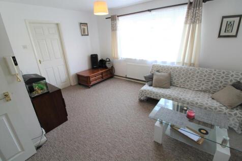Waltham Close, Peterborough, PE1. 1 bedroom flat