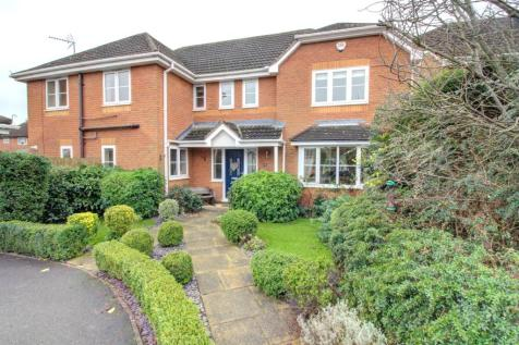 Maura Close, Whetstone. 5 bedroom detached house for sale