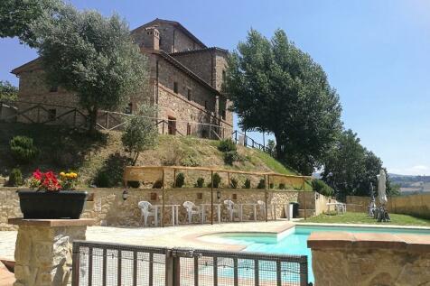 Monte Castello di Vibio, Perugia, Umbria. 14 bedroom farm house for sale