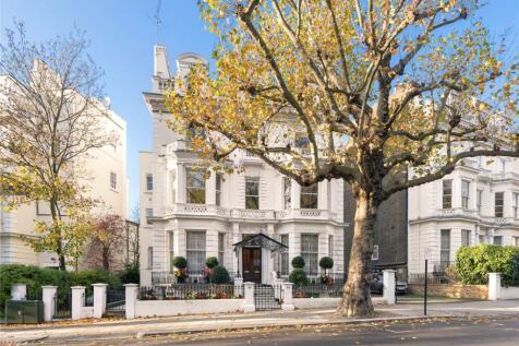 Holland Park, Holland Park, London, W11. 4 bedroom apartment for sale