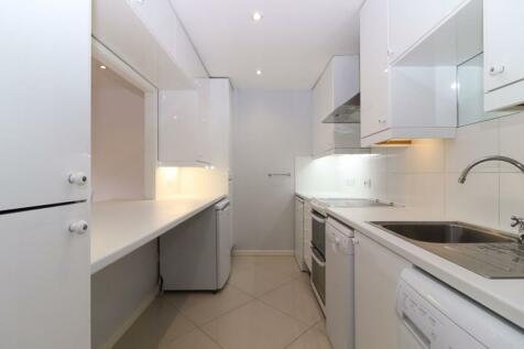 Clarkes Drive, Uxbridge. 1 bedroom flat