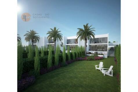 Algarve, São Brás de Alportel. 4 bedroom terraced house for sale
