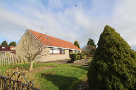 94 Main Street, Glenboig, ML5 2RD. 3 bedroom detached bungalow