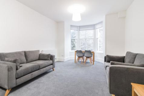 Constitution Road, City Centre, Dundee, DD1. 4 bedroom flat