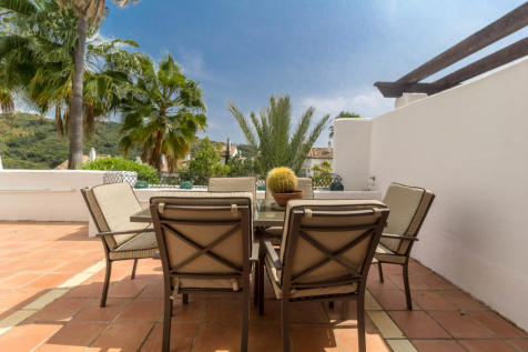 Andalucia, Malaga, Benahavis. 2 bedroom ground floor flat for sale