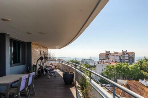 Lisbon, Cascais. 3 bedroom apartment for sale