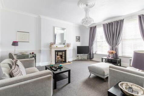Earls Court Road, Kensington. 1 bedroom house share