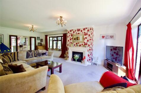 Kevington Drive, Chislehurst, Kent, BR7. 5 bedroom detached bungalow for sale