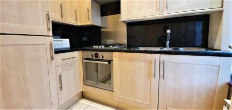 Blyth Road, Bromley, Kent, BR1. 1 bedroom apartment