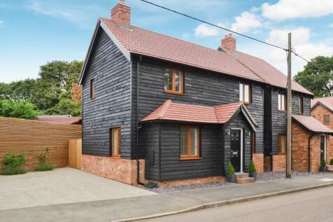 Front Street, Slip End, Luton. 3 bedroom detached house for sale