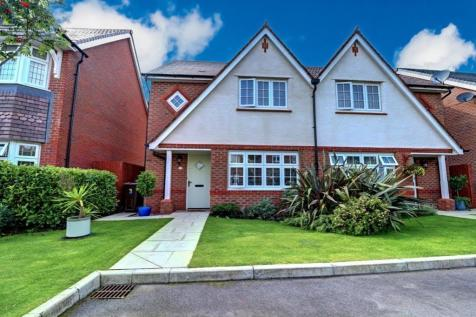 Plover Close, Southport, Merseyside, PR9. 3 bedroom semi-detached house