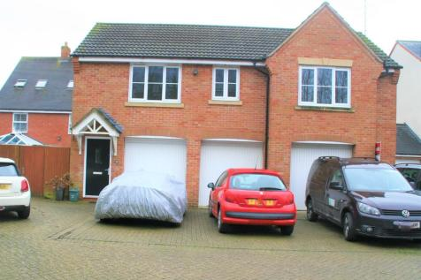 Dydale Road, Swindon, Wiltshire, SN25. 2 bedroom coach house