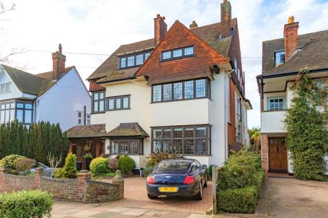 Chadwick Road, Westcliff-on-Sea, Essex, SS0. 6 bedroom detached house for sale