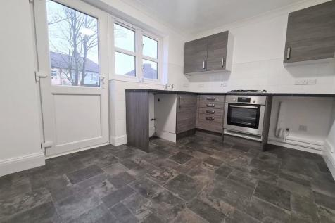 Carpenters Close, Rochester, Kent. ME1. 2 bedroom end of terrace house