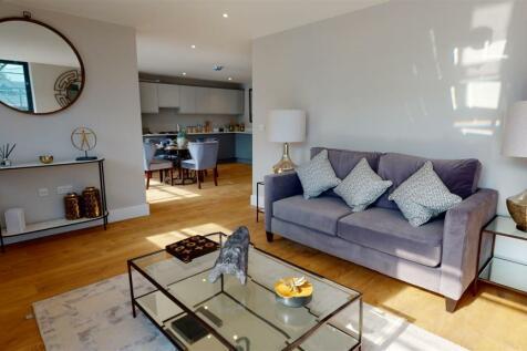 Crabble Hill, Dover. 2 bedroom apartment
