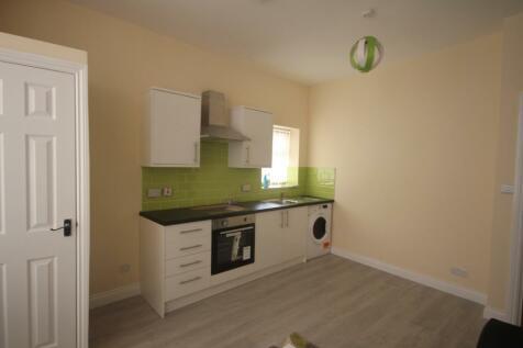 Harehills Lane, Leeds, West Yorkshire, LS8. 2 bedroom apartment
